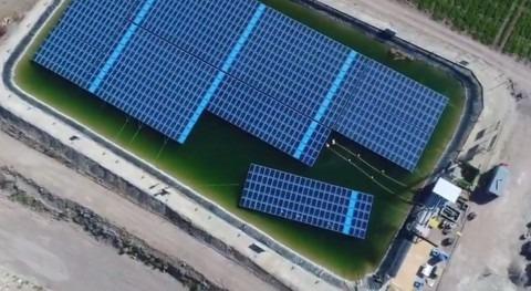 empuje energía solar flotante