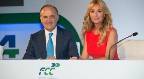 Esther Alcocer Koplowitz, presidenta de FCC y Juan Béjar Ochoa, vicepresidente ejecutivo y consejero delegado de FCC