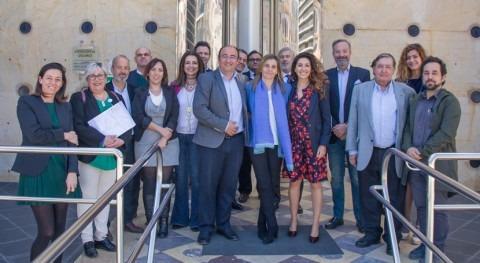 Isabel Butrón releva Marcos Martín como nueva Directora Gerente Aguas Huelva