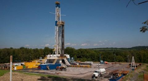 Torre de extracción de fracking (WWF).
