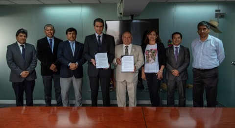 Sunass firma convenio Water For People mejora saneamiento rural