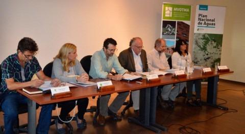 marcha Mesa gestión integral aguas urbanas Río Negro, Uruguay