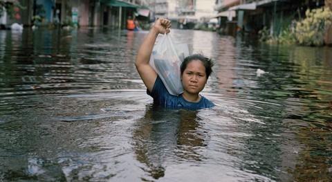 Wilaiporn Hongjantuek. Amornchai, Bangkok, Tailandia. Noviembre de 2011 (Gideon Mendel)