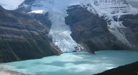 Berg Lake (Wikipedia/CC).
