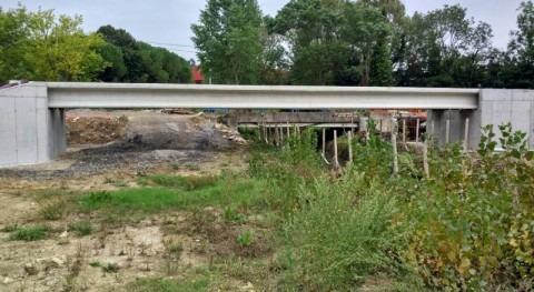 URA coloca vigas nueva pasarela Fadura río Gobela Getxo (Bizkaia)