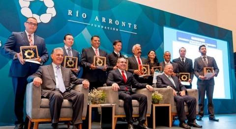 Reconocimiento Gonzalo Río Arronte mejores prácticas cobro-pago agua 2016