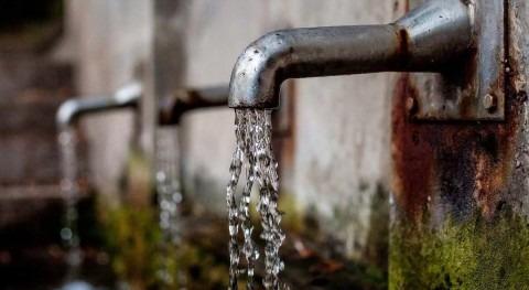 Más agua grifo