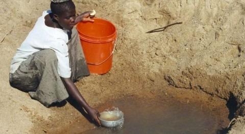 Al asumir que la pobreza es el principal obstáculo para el desarrollo, los ODM inspiraron una labor que ayudó a mejorar el nivel de vida y el acceso a los servicios básicos de cientos de millones de personas (Wikipedia/CC).