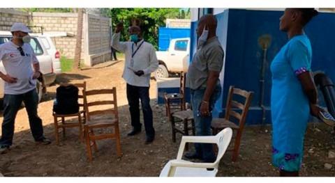 Paneles solares bombeo agua potable Haití