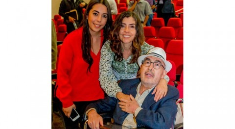 Homenaje trayectoria Dr. Javier Avilés López