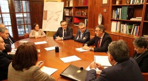 Hugo Morán se reúne dirección CHS tratar asuntos gestión cuenca