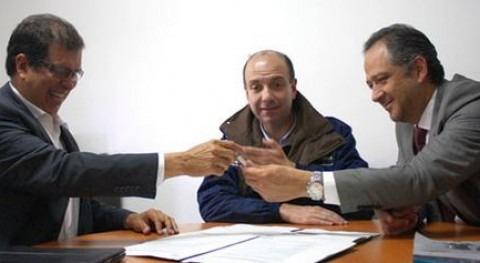 Firma del acuerdo (IDEAM).