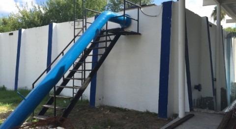Almacenamiento y regulación agua sistema distribución