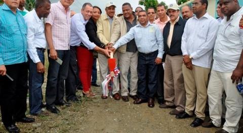 Comienzan obras rehabilitación sistema riego Minches inversión más 694.000 dólares