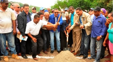 Inicio obras sistema riego Carrizal (Azua) inversión 2,4 millones dólares