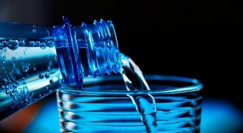Almar Water Solutions lanza iniciativa acabar agua embotellada oficinas