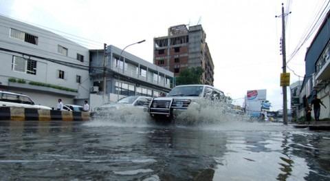 Bangladés eleva 61 fallecidos causa inundaciones provocadas monzón