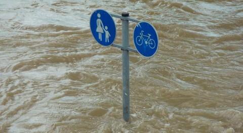 inundaciones Arabia Saudí hacen descarrilar tren dejando 18 heridos