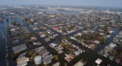huracán 'Michael' causa inundaciones generalizadas y 16 muertos paso EEUU
