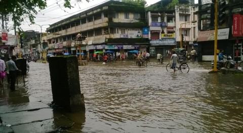 monzón India, Nepal y Bangladés deja más cien muertos y millones desplazados