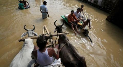 inundaciones monzónicas India dejan más millar fallecidos
