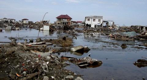 riada provocada lluvias torrenciales este Indonesia provoca al menos 80 muertos