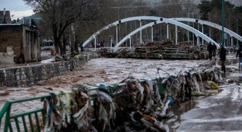 sanciones EE.UU. impiden envío ayuda paliar inundaciones Irán