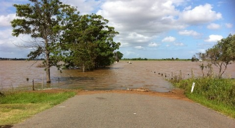 inundaciones India ya suman más 200 fallecidos