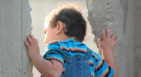 sed y minas, causas principales muerte niños que huyen Hawiya