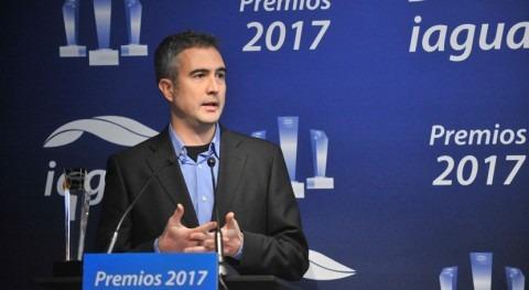 """Jordi Oliveras: """"Ofrecer agua no envasada gratis podría acercar agua grifo población"""""""