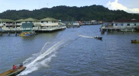 Saneamiento palafitos Kampong Ayer Brunei