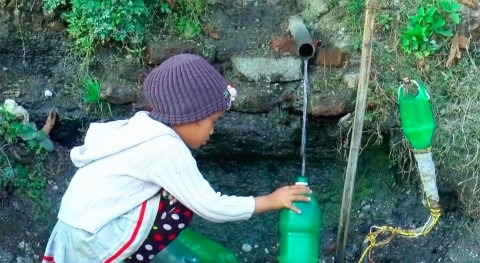 Agua Katmandú: Crisis abundancia