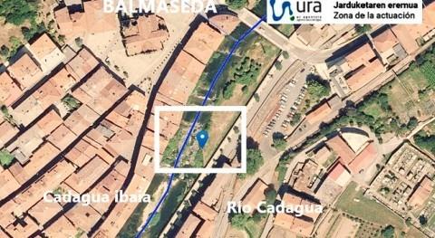 URA retira muro Cascajal pleno cauce Cadagua paso Balmaseda