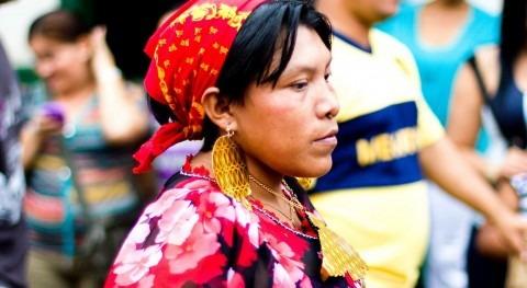 Mujer de etnia kuna (Wikipedia/CC).