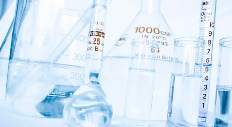 ¿Deben incluir leyes reutilización agua evaluación riesgo microbiológico?