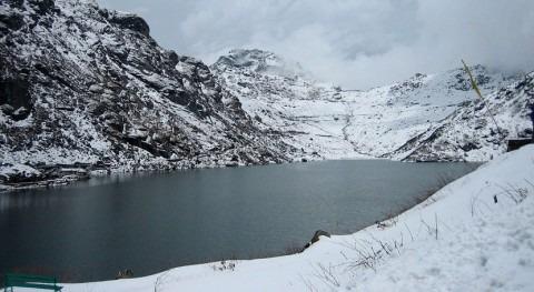 Miles lagos Himalaya amenazan riadas calentamiento
