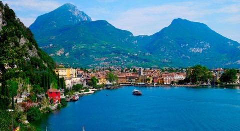 rotación terrestre mueve agua Lago Garda
