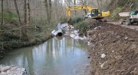 URA retira parcialmente 11 azudes tramo 360 metros río Landarbaso, Astigarraga