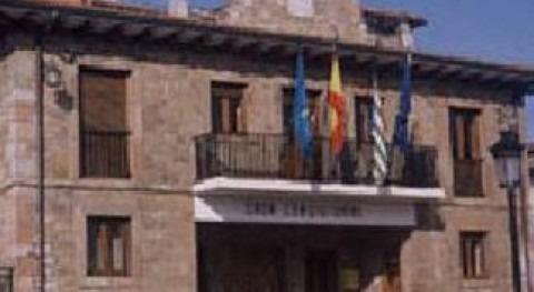 Ayuntamiento de las Regueras (Wikipedia/CC).