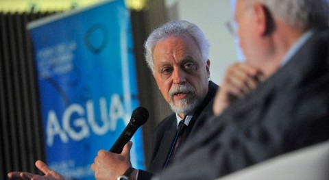 Léo Heller apuesta regulación debate gestión pública o privada agua