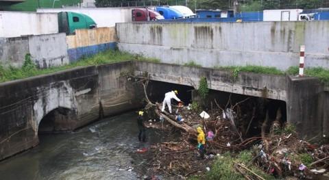 Gobierno Panamá limpia drenajes cauce río Curundú evitar inundaciones