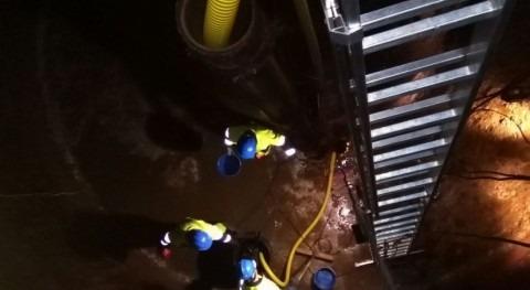 Badajoz realiza mantenimiento anual depósito agua Valdelacalzada
