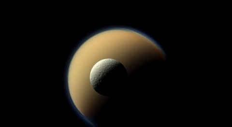 Rocas de hielo alrededor de Saturno (ESA)