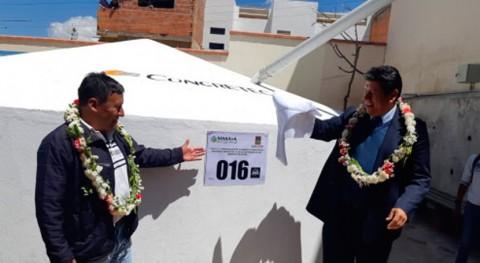 Bolivia asegura abastecimiento agua entrega 110 tanques región Sucre