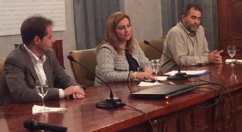 """María Jesús Serrano: """" Junta Andalucía está convencida ventajas gestión pública agua"""""""