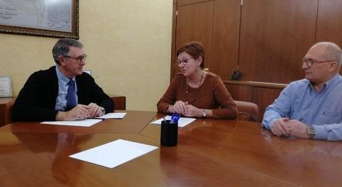 Mario Urrea se reúne alcaldesa Jumilla analizar estado acuíferos