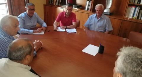 Mario Urrea se reúne regantes Juzgado Privativo Aguas Callosa Segura