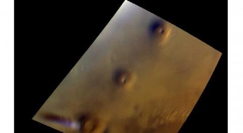 Mars Express observa evolución curiosa nube hielo agua ecuador marciano