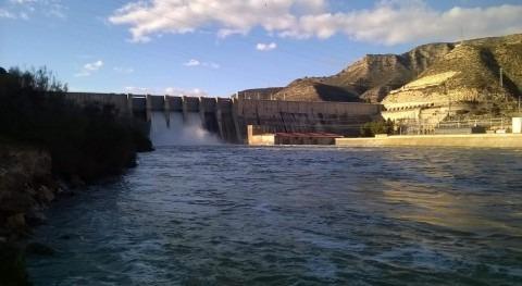 CHE informa crecida controlada otoño Flix (Tarragona)