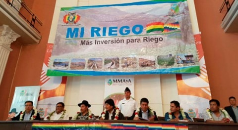 Gobierno Bolivia recibe 79 proyectos municipios Chuquisaca Mi Riego III